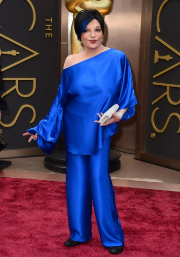 Worse: It seems that Liza Minnelli was going for the Smurf look at this year's Academy Awards. She got attention, but probably not for the right reasons.