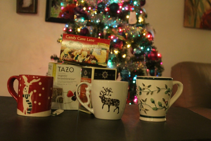 Favorite holiday teas (and mugs!) + a new Youtube video