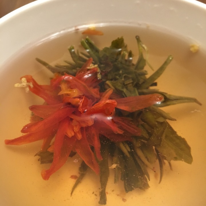 Review: Osmanthus Dancing green floral blooming tea from TeaVivre