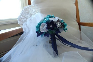 bouquet and veil